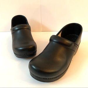 DANSKO Black Leather Clogs / Shoes - Size 40